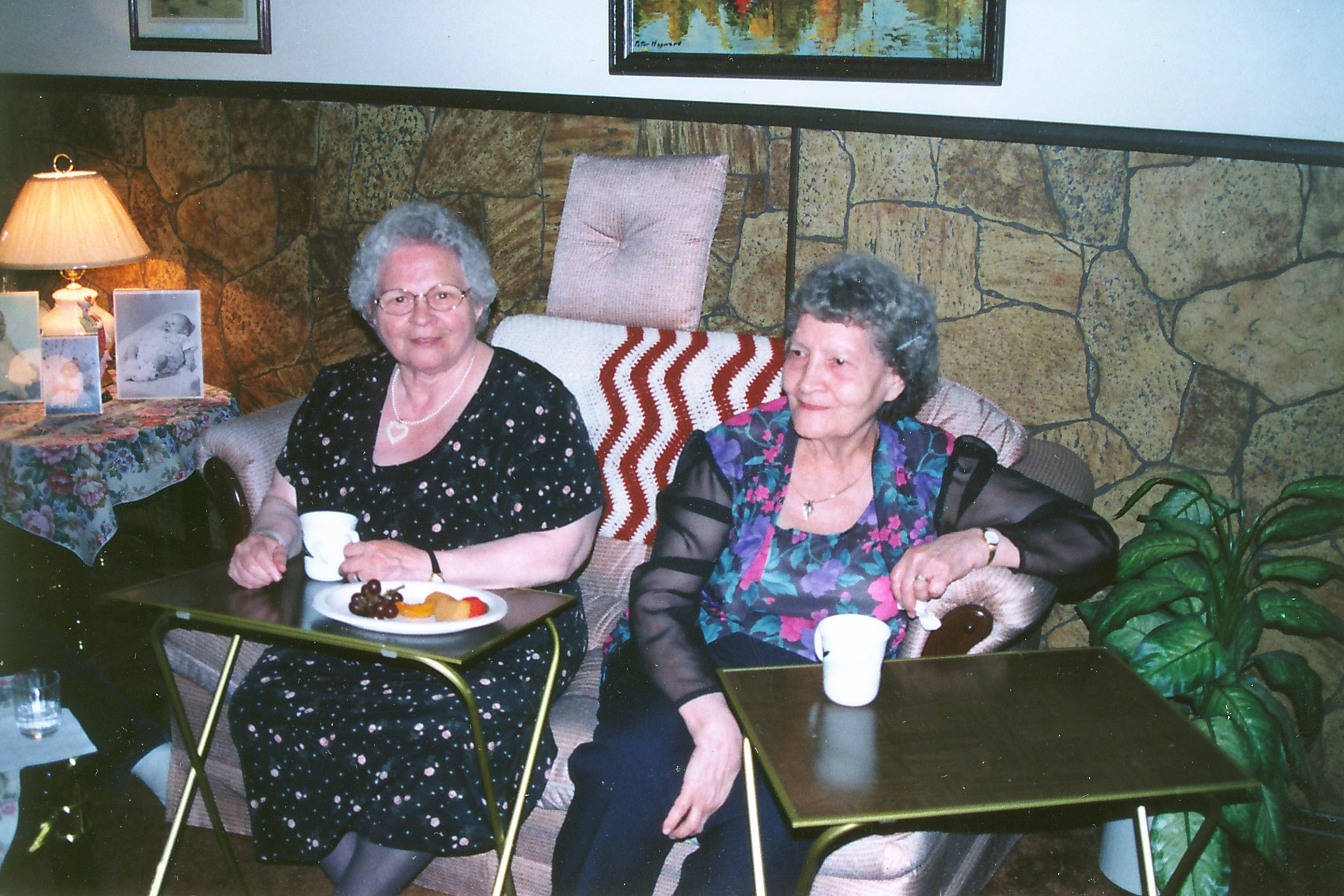 Mothers Day Image of Violet Zelinski and Mary Leschyshyn